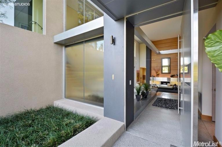 641 Estates Dr, Sacramento, CA