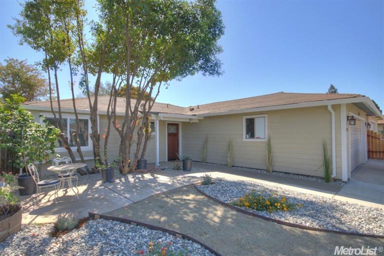 9931 Palm Grove Dr, Sacramento, CA