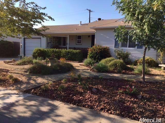 2405 Brentley Dr, Sacramento, CA 95822