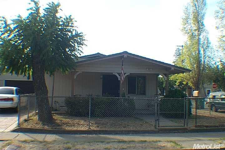 302 E Ellis, Stockton, CA