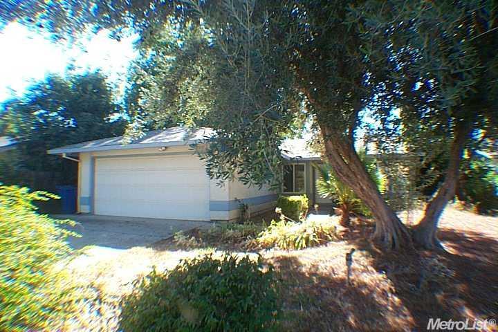 2817 Azevedo Dr, Sacramento, CA