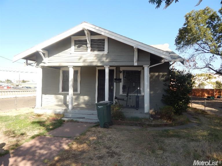 1503 E Worth St, Stockton, CA