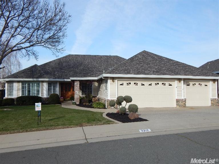 2212 Eagle Dr, Rocklin, CA