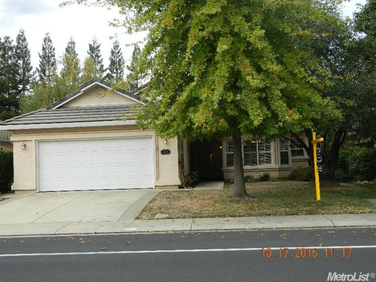 615 Evergreen Dr, Lodi, CA