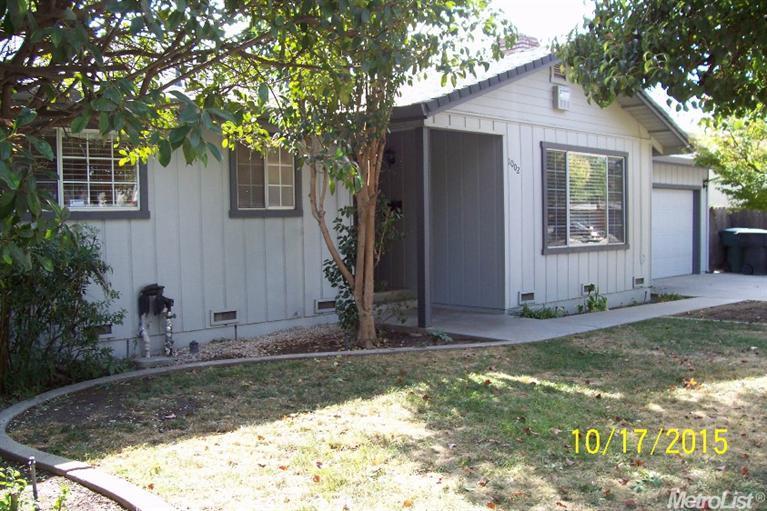 1002 E Fairmont Ave, Modesto, CA