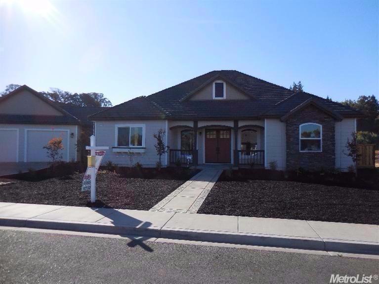 10206 Fox Borough Dr, Oakdale, CA