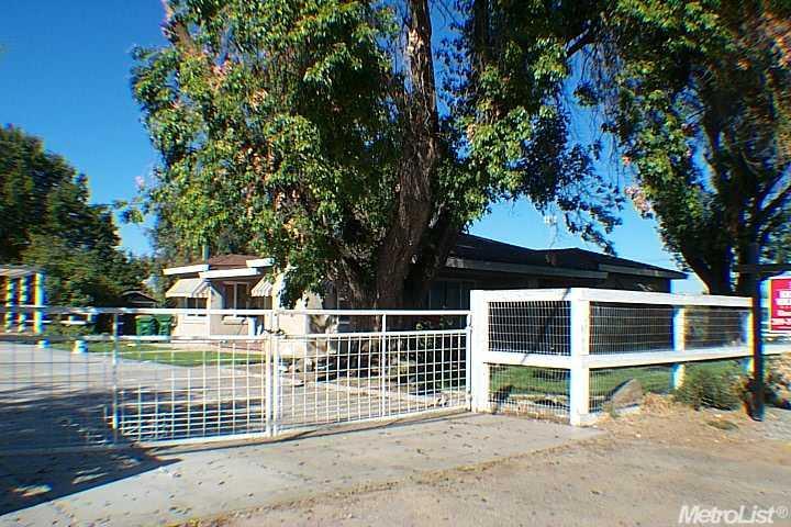 509 N Reinway Ave, Waterford, CA
