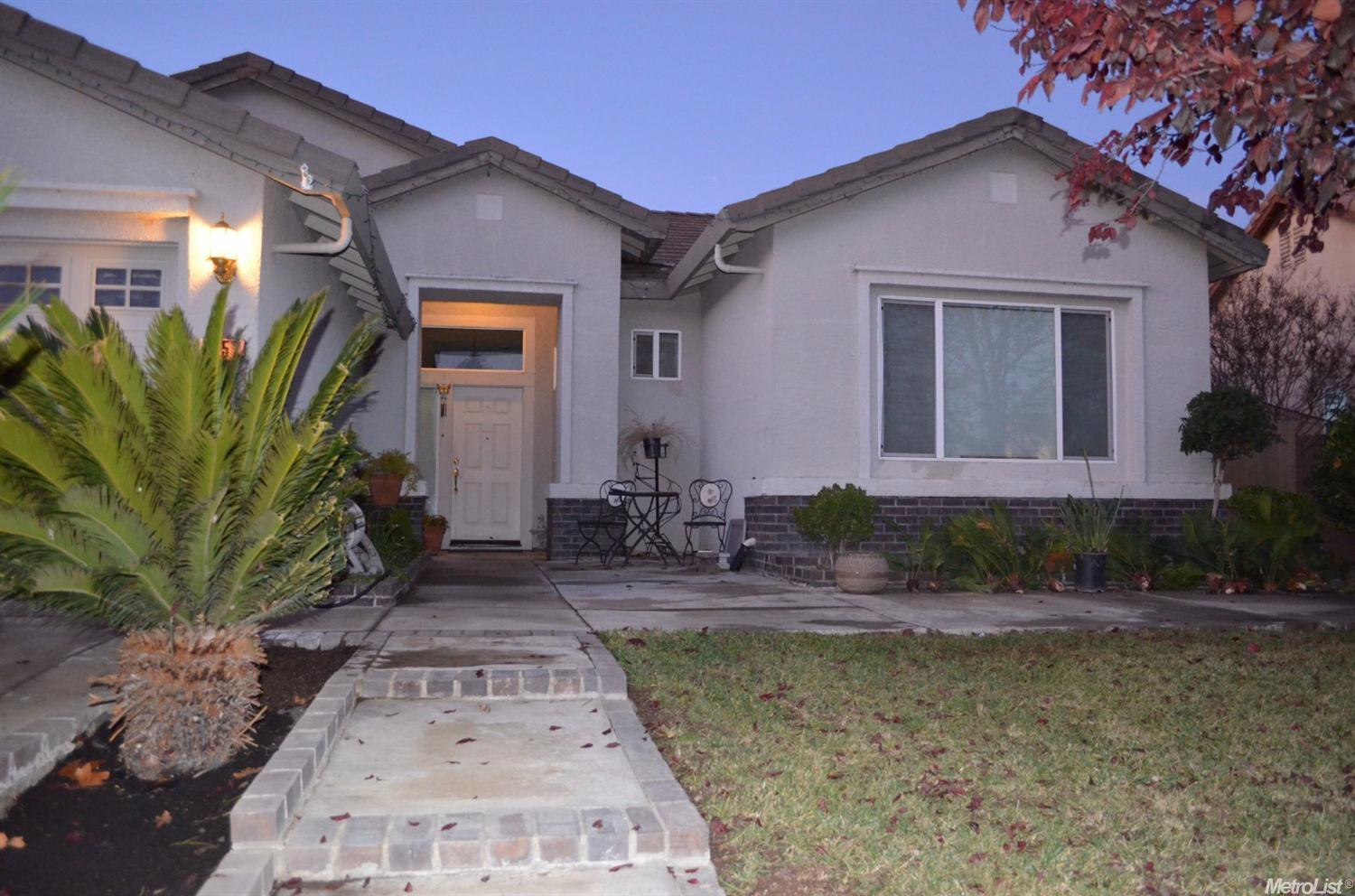 1057 Shalford Way, Galt, CA