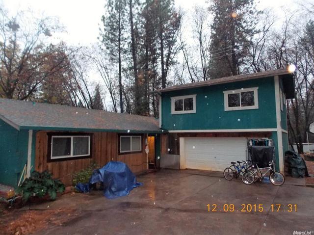 10516 Quail Dr, Grass Valley, CA 95949