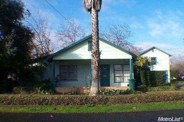 6413 4th St, Riverbank CA 95367