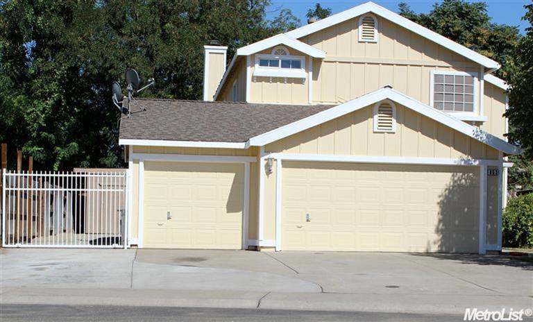853 Hunters Creek Dr, Sacramento, CA