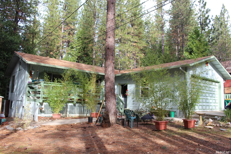 5690 Lupin Ln, Pollock Pines, CA
