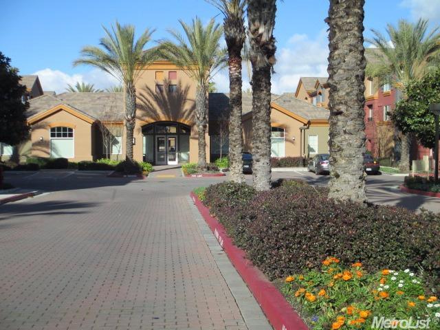 2001 Club Center Dr #APT 8139, Sacramento, CA