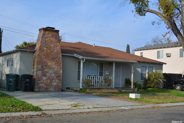 121 Village Rd, Modesto, CA