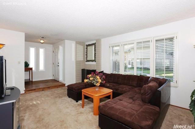 418 Florin Rd, Sacramento CA 95831