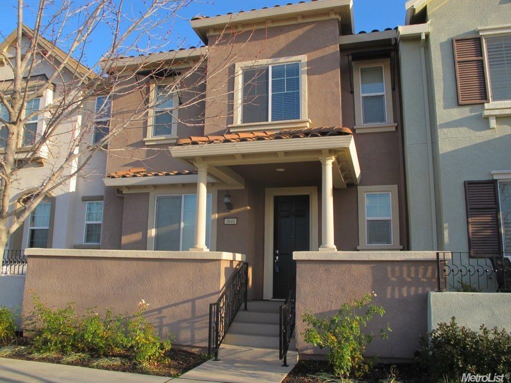 3048 Village Plaza Dr, Roseville, CA