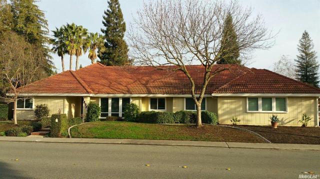 1075 Kensington Dr, Roseville CA 95661