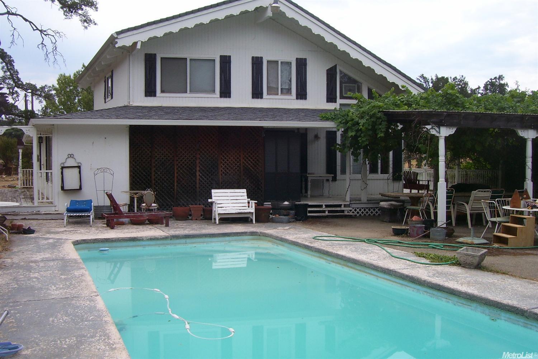2521 Omo Ranch Rd, Somerset, CA