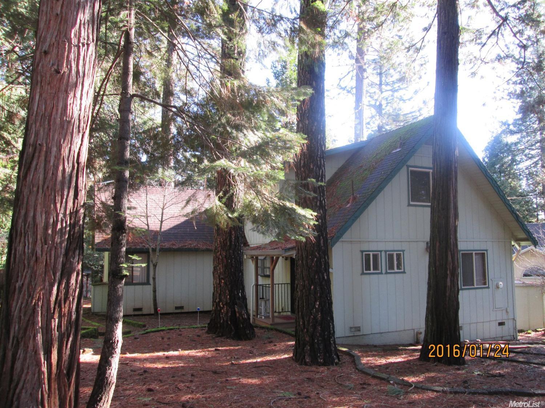 5186 Loch Leven Dr, Pollock Pines, CA