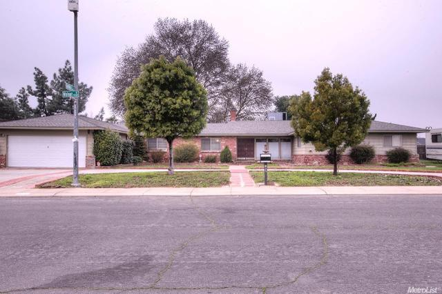 827 Walnut Way, Modesto CA 95351