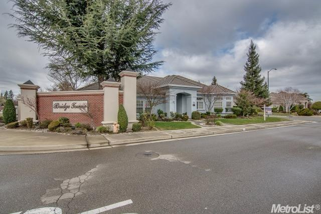 1015 Bridgetowne Dr, Lodi, CA