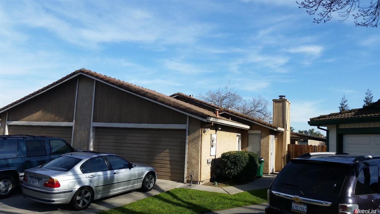 6118 Village Green Dr, Stockton, CA