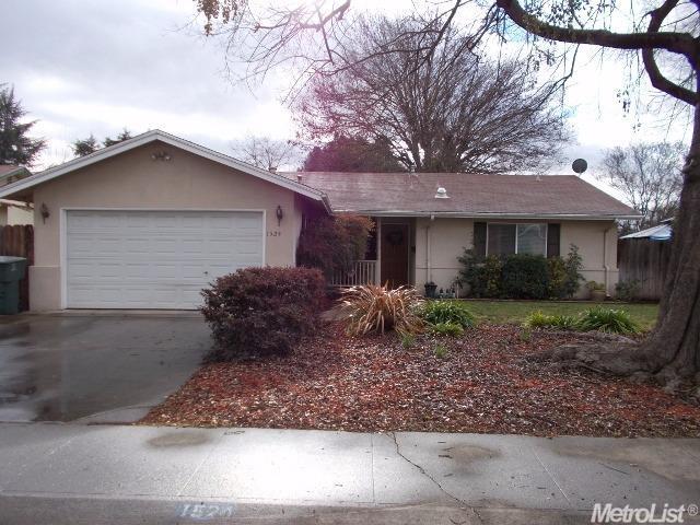 1524 Dwight Ln, Modesto, CA