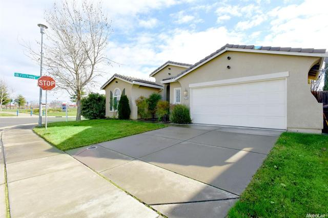 5712 Foxview Way, Elk Grove CA 95757