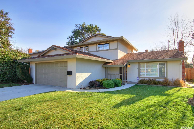 2521 Clearlake Way, Sacramento, CA