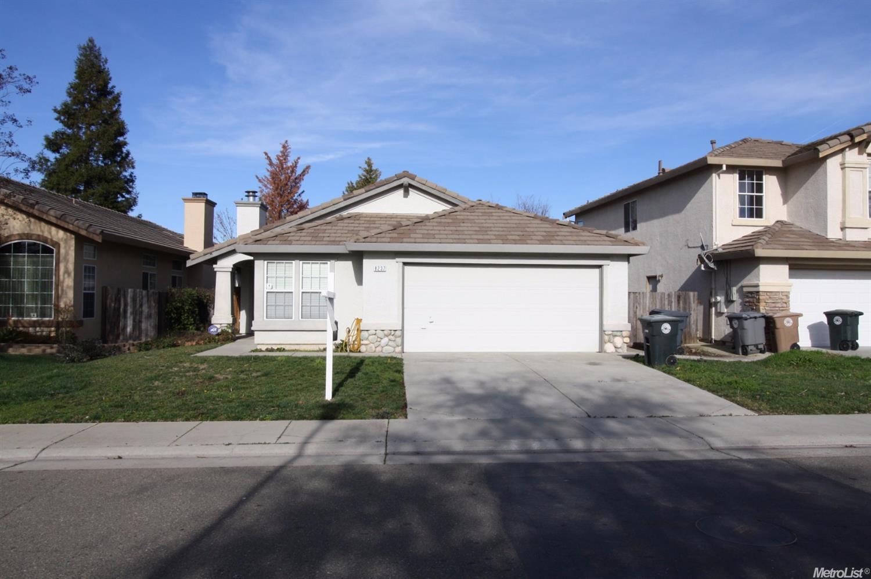 8237 Adelbert Cir, Elk Grove, CA