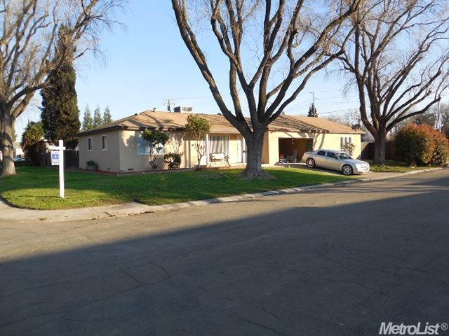 1806 Winning Ave, Modesto CA 95350