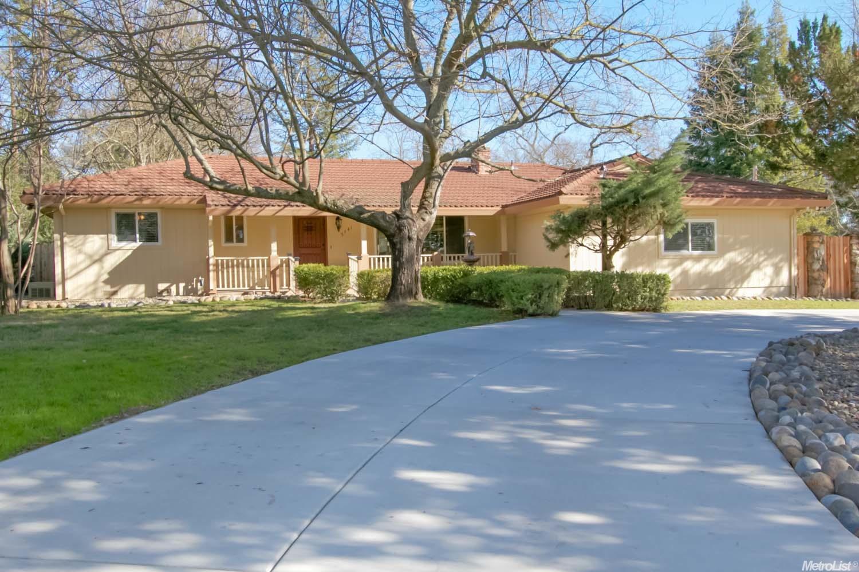 5741 Hoffman Ln, Fair Oaks, CA