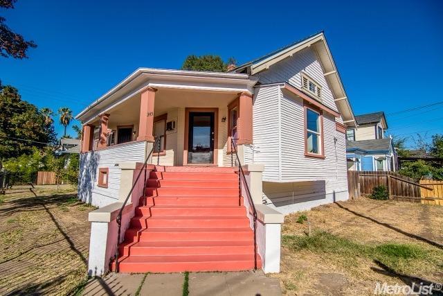 345 W Poplar St, Stockton, CA