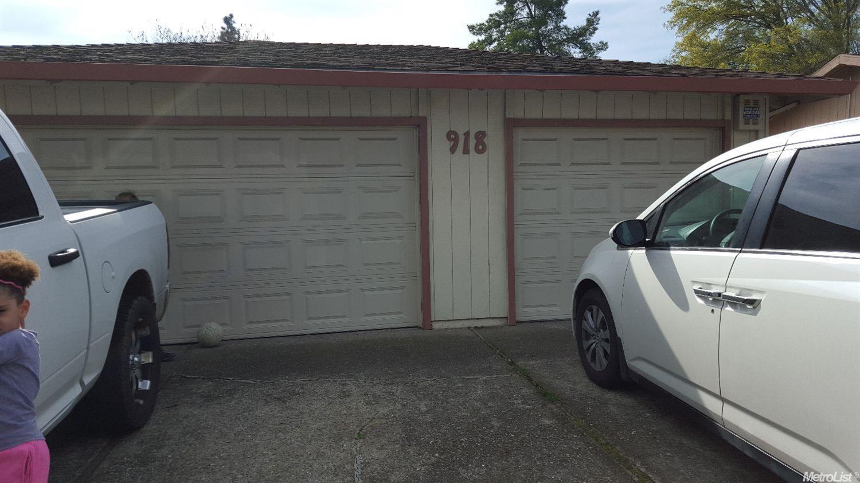 918 Royal Oaks Dr, Stockton, CA