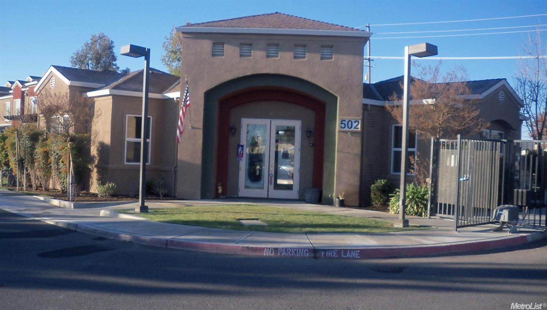 460 N Mercey Springs Rd #APT B, Los Banos, CA