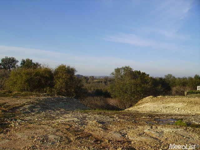 128 Sagebrush Ct, Valley Springs, CA 95252