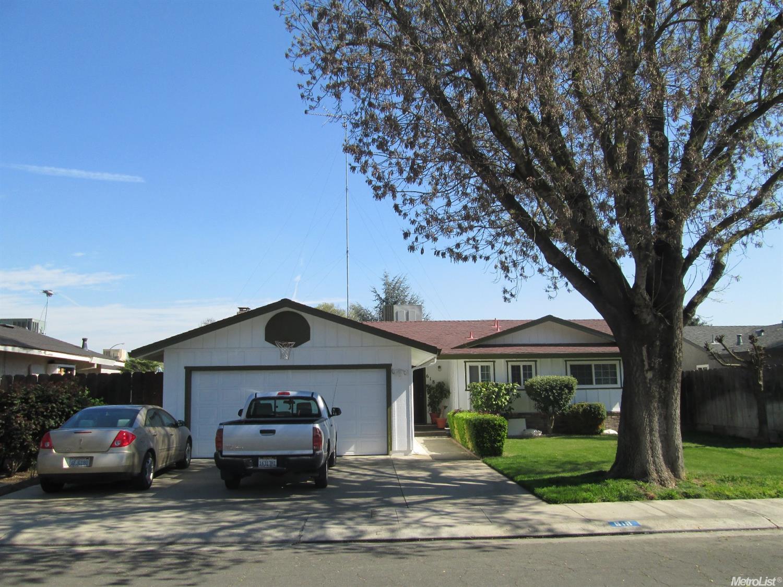 618 Brookfield Dr, Modesto, CA