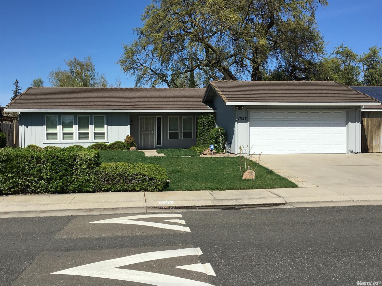 1327 Goldenoak Way, Stockton, CA