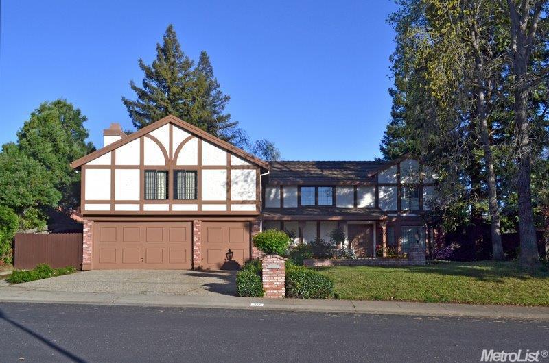 218 Firestone Dr, Roseville, CA