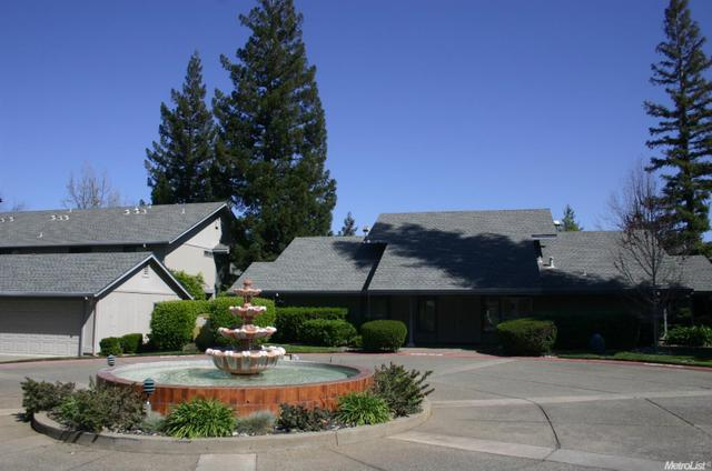 8080 Briar Ridge Ln, Citrus Heights, CA