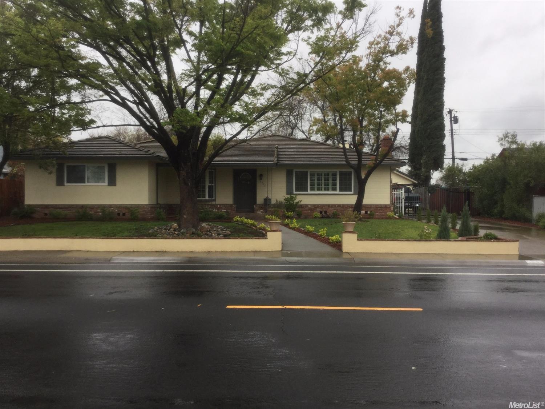6912 S Land Park Dr, Sacramento, CA