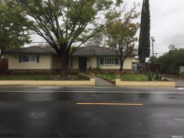 6912 S Land Park Dr Sacramento, CA 95831