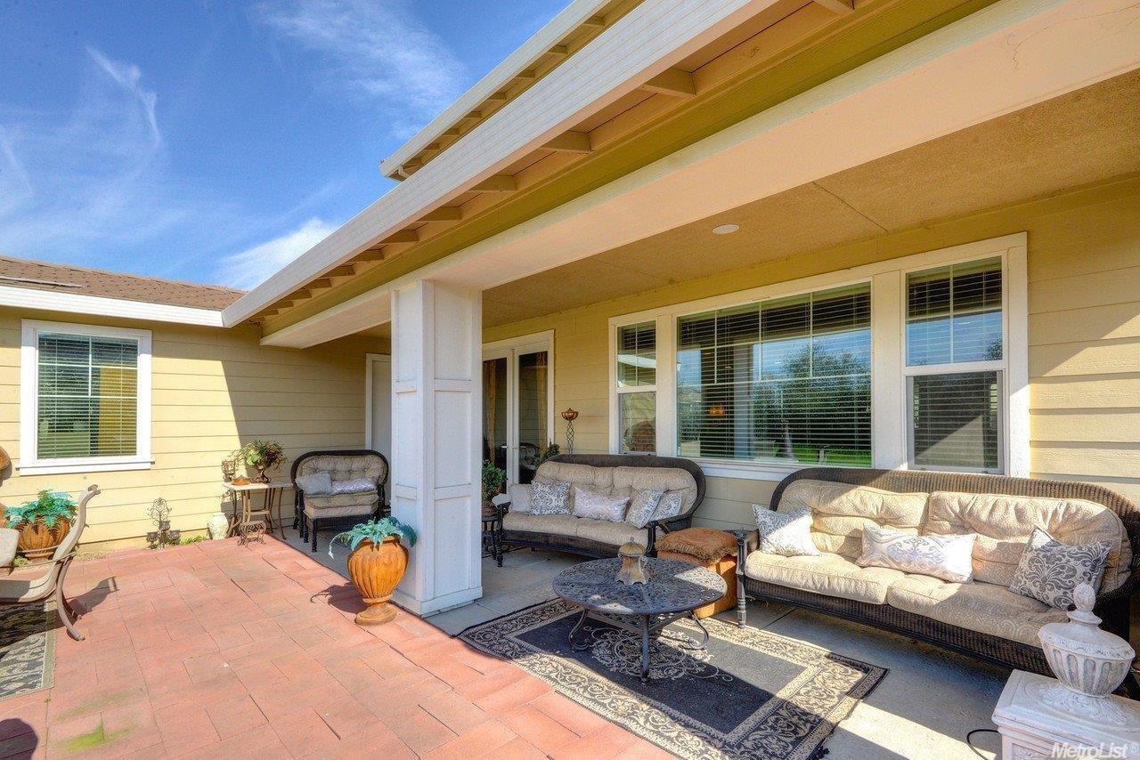 9670 Canopy Tree St, Roseville CA 95747