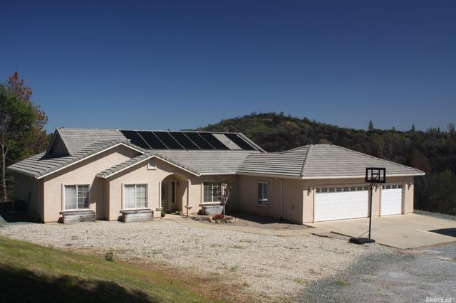 9300 Buckeye Ln, Mokelumne Hill, CA 95245