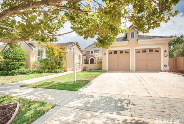 9185 Pinehurst Dr, Roseville, CA