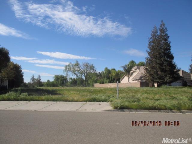 1211 S Highland Ave, Ripon, CA 95366