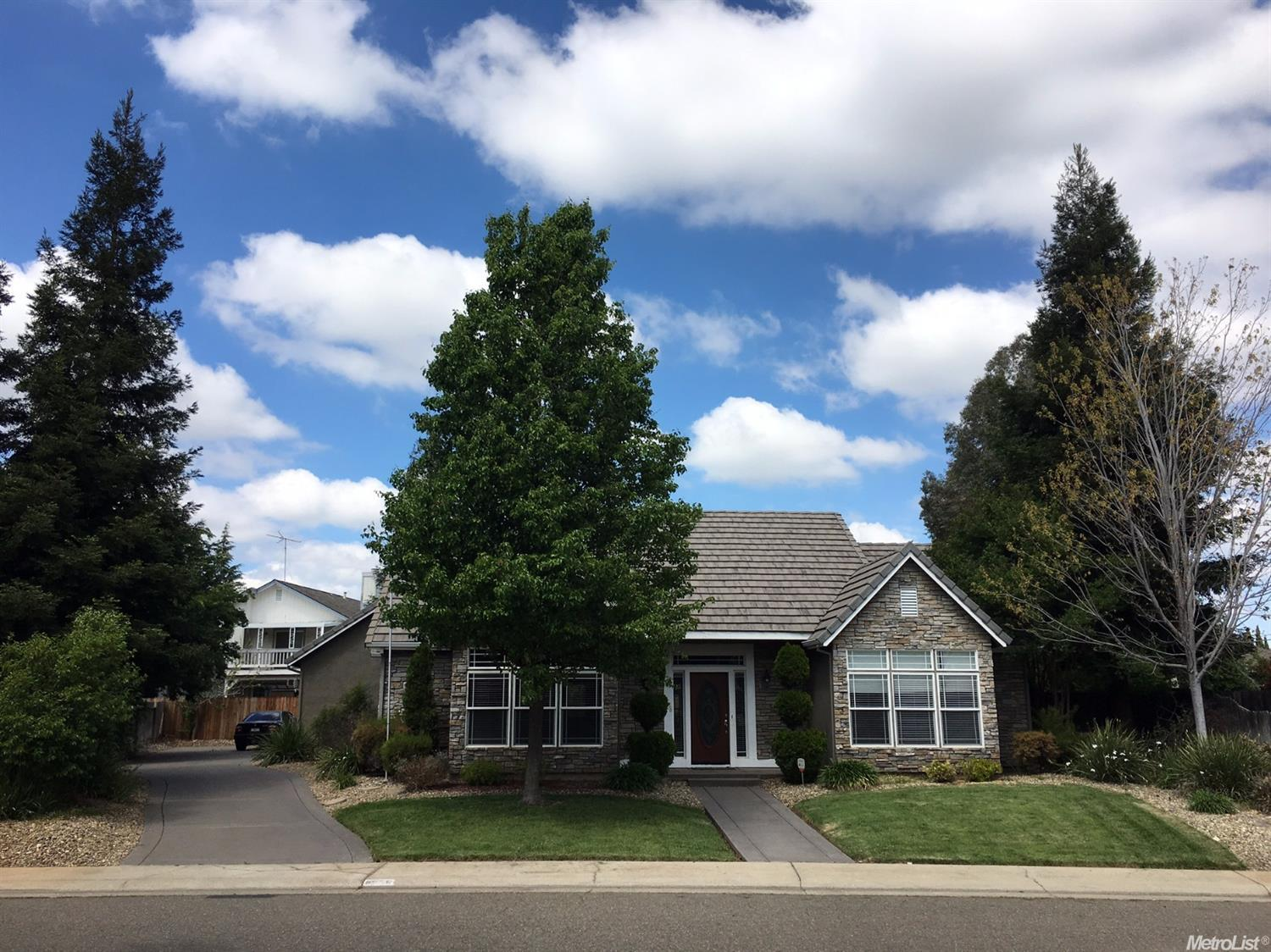 8656 Diamond Oak Way, Elk Grove, CA
