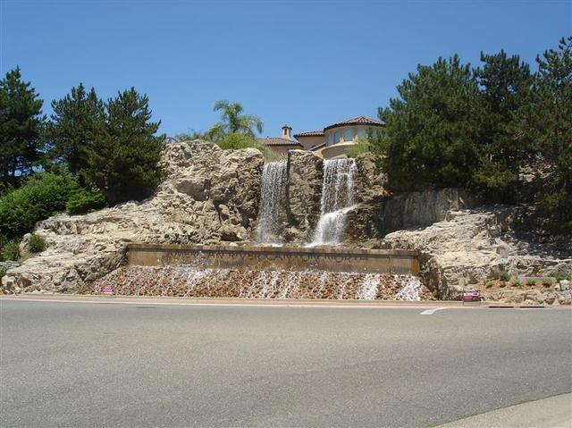 324 Canyon Falls Dr, Folsom, CA 95630