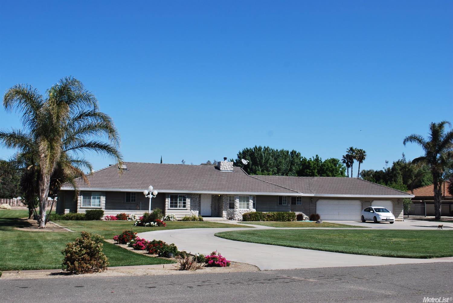 8669 W Etcheverry Dr, Tracy, CA