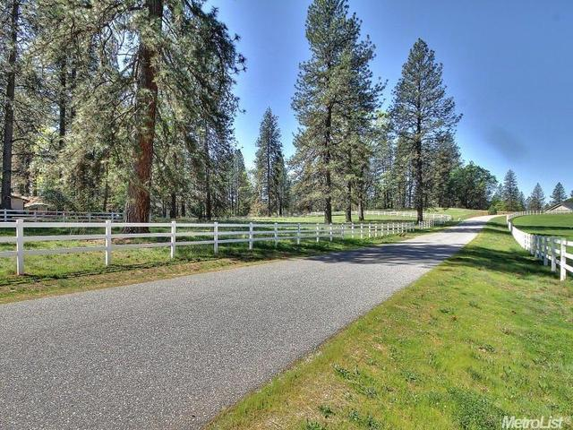 10127 Evergreen Ranch Ct, Grass Valley, CA 95949